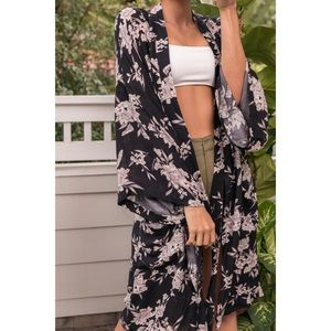 Spiritual Gangster Maya Kimono black floral